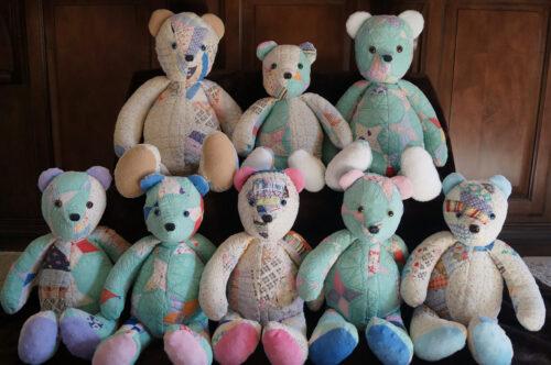 33- BearyHuggables_set of eight multi memory bears