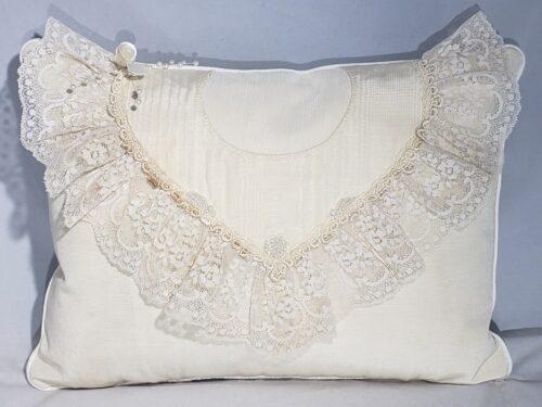 89-Beary Huggables_12 x 16 Wedding Dress Pillow